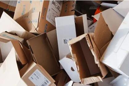 快递纸箱提价拉锯战:很多时候都在赔...